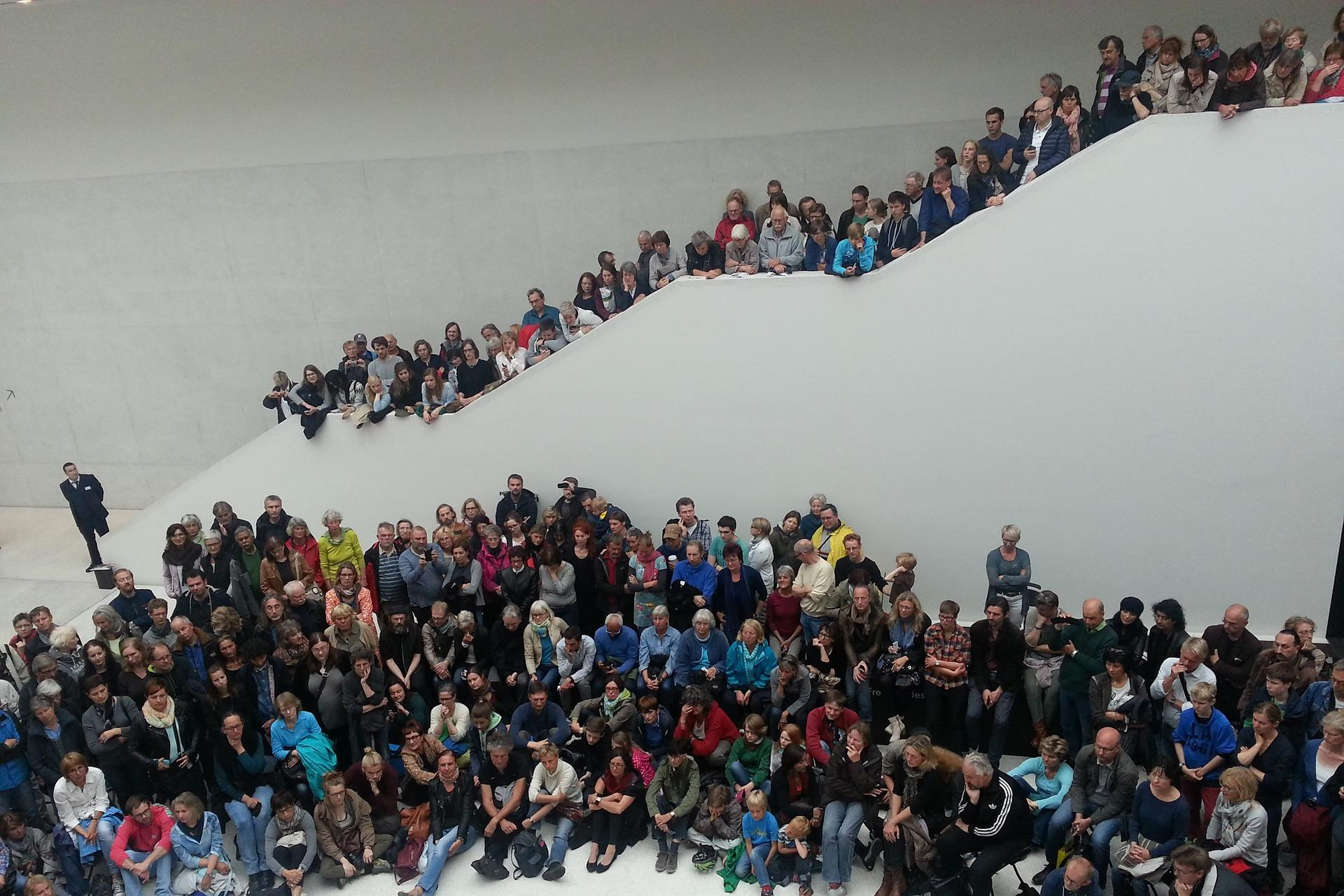 Menschenmenge (c) www.pixabay.com