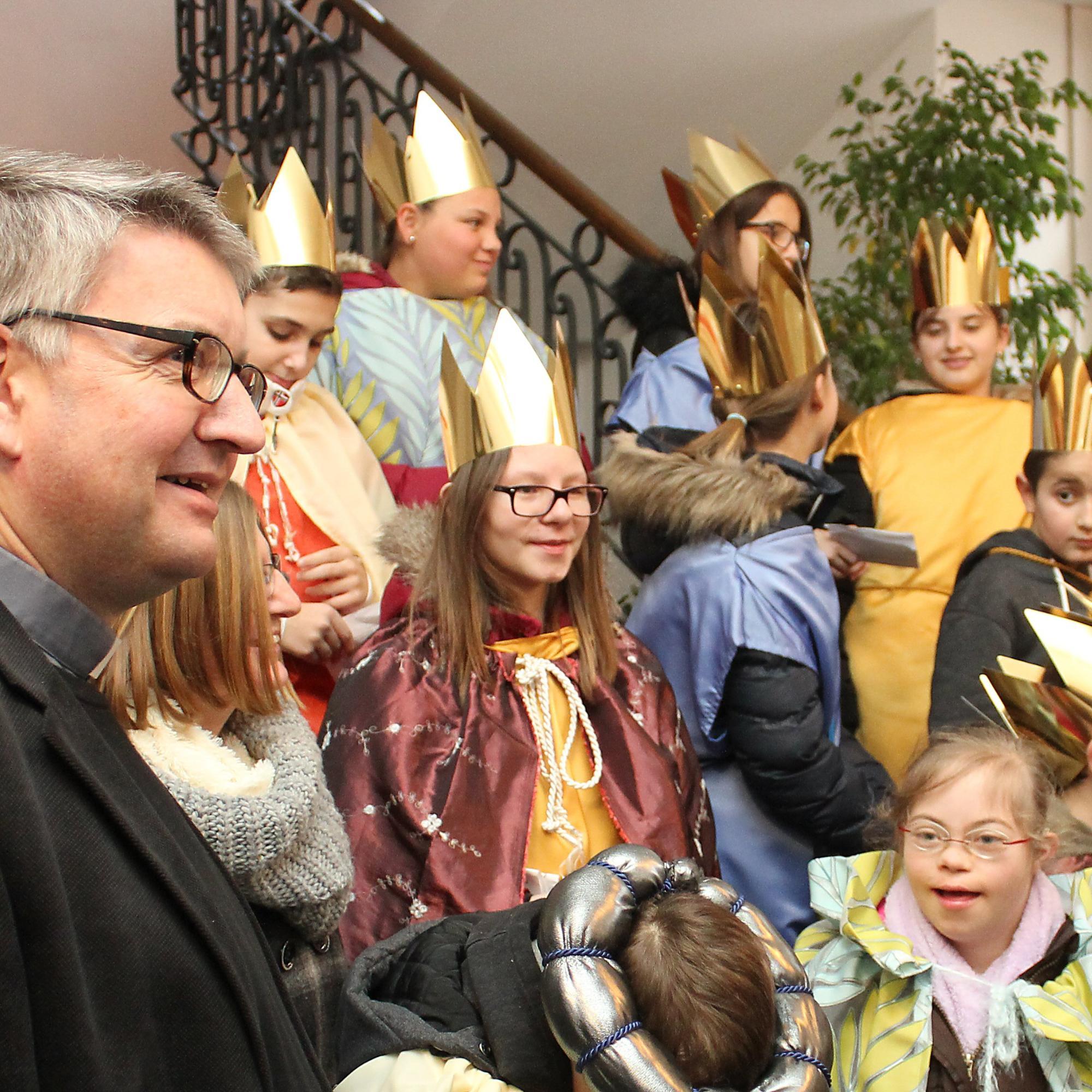 Bischof Kohlgraf empfing Sternsinger im Bischöflichen Ordinariat