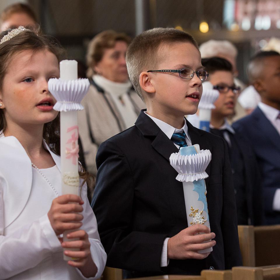 Erstkommunion (c) Achim Pohl | Bistum Essen in Pfarrbriefservice.de