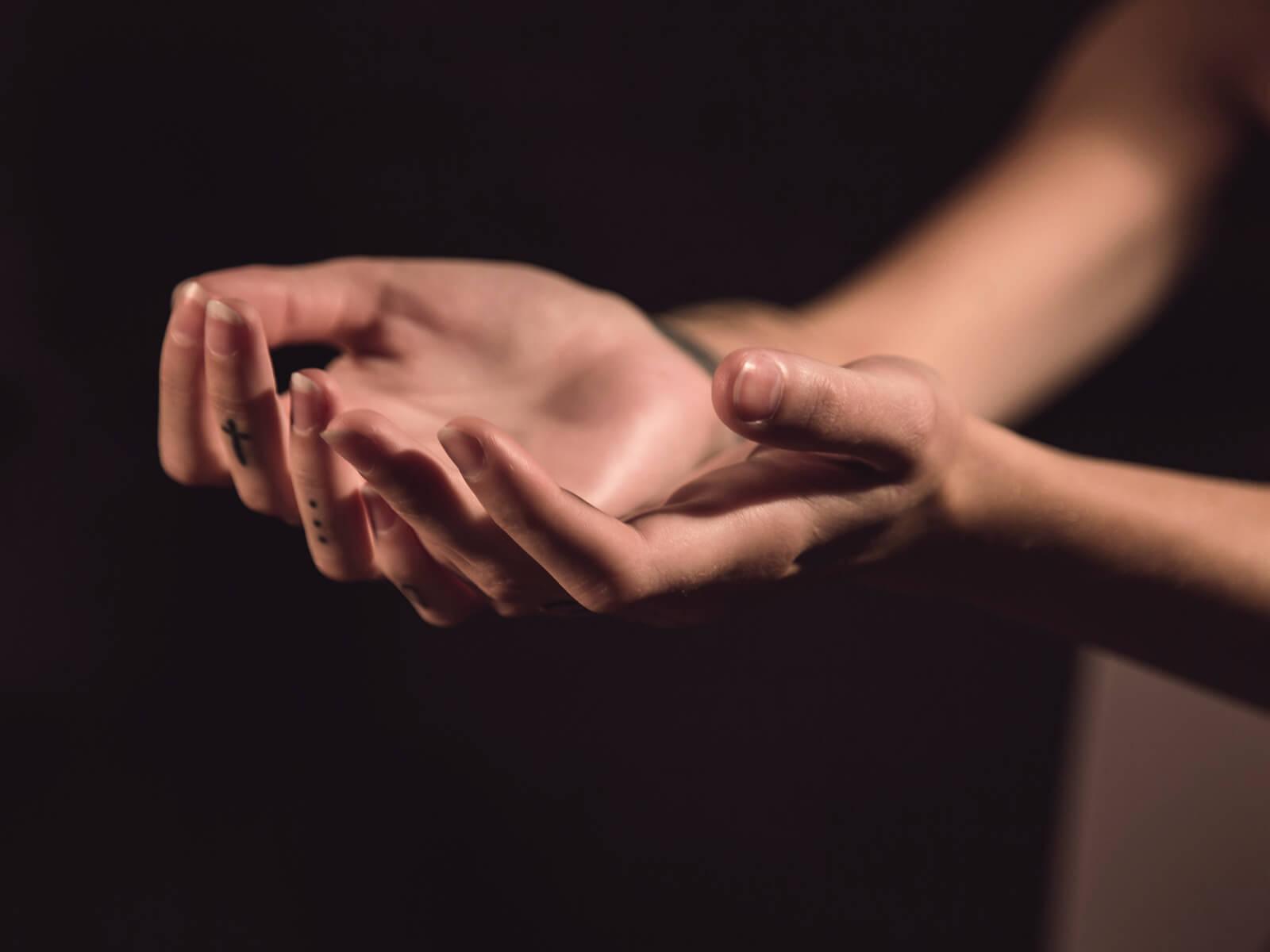 Einladung zum gemeinsamen Gebet (c) CC0 1.0 - Public Domain (von unsplash.com)